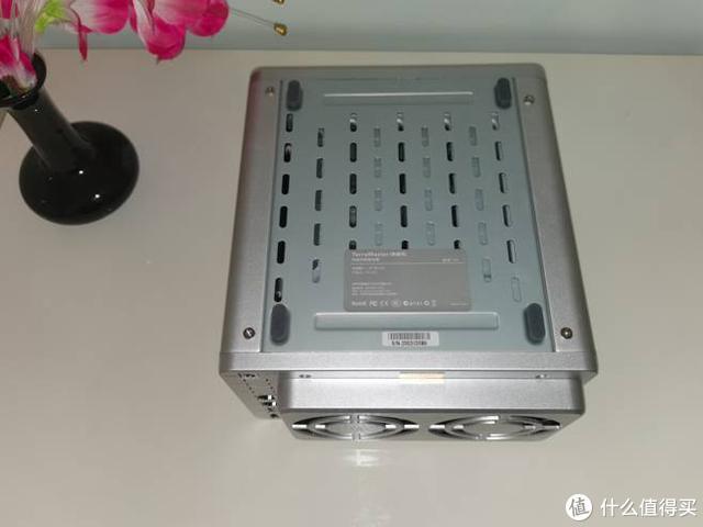 抛弃玩客云选择NAS的多个原因-铁威马F4-2214盘位网络存储评测