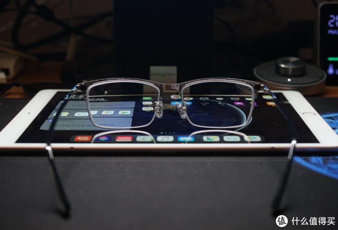 数字时代的小蓝标:蔡司 ZEISS 智锐 动态光学镜片眼镜是何体验