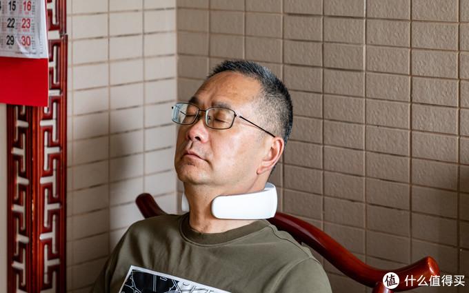 攀高 P6 专业颈椎按摩仪体验:告别智商税,双脉冲+红光热敷原来真的管用