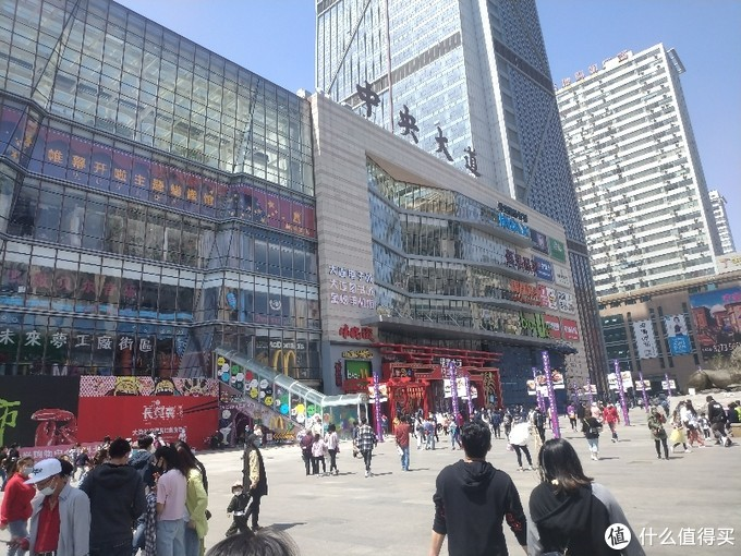城市大玩家:大连,时尚与艺术结合的逛街地段——中央大道!