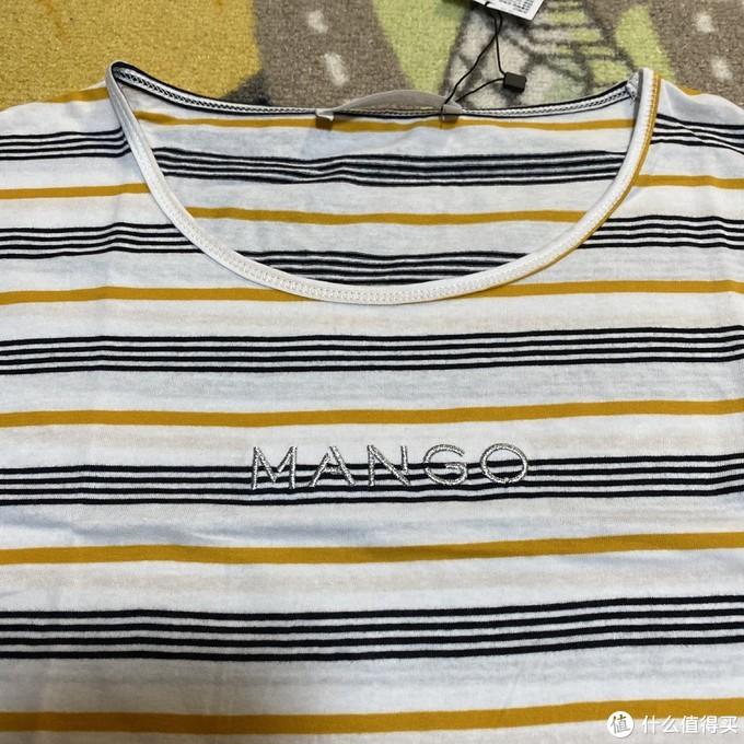 两件实惠的MANGO女装刺绣标志T恤