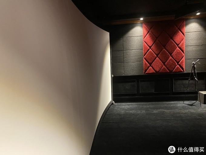 5米长弧形巨幕