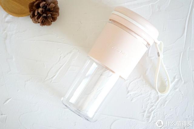 能随身携带的鲜榨果汁机,仅售百元,40秒完成一杯鲜榨果汁