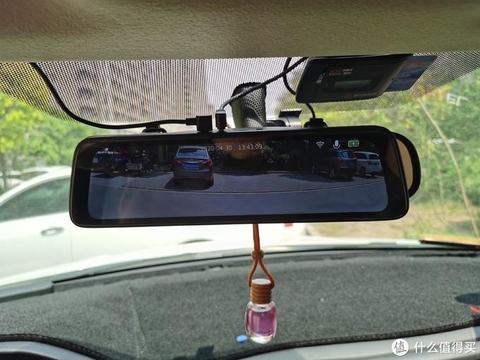 10寸大视野更智能的行车仪,盯盯拍mola E3评测