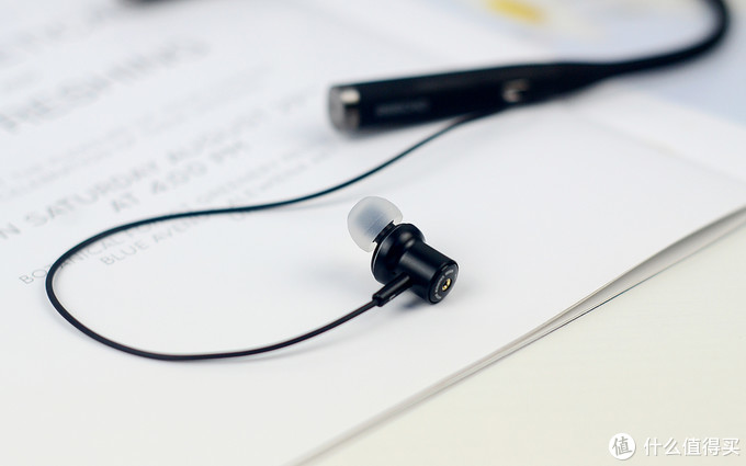 余音R1主动降噪蓝牙耳机,入门级价位也能带来旗舰级体验