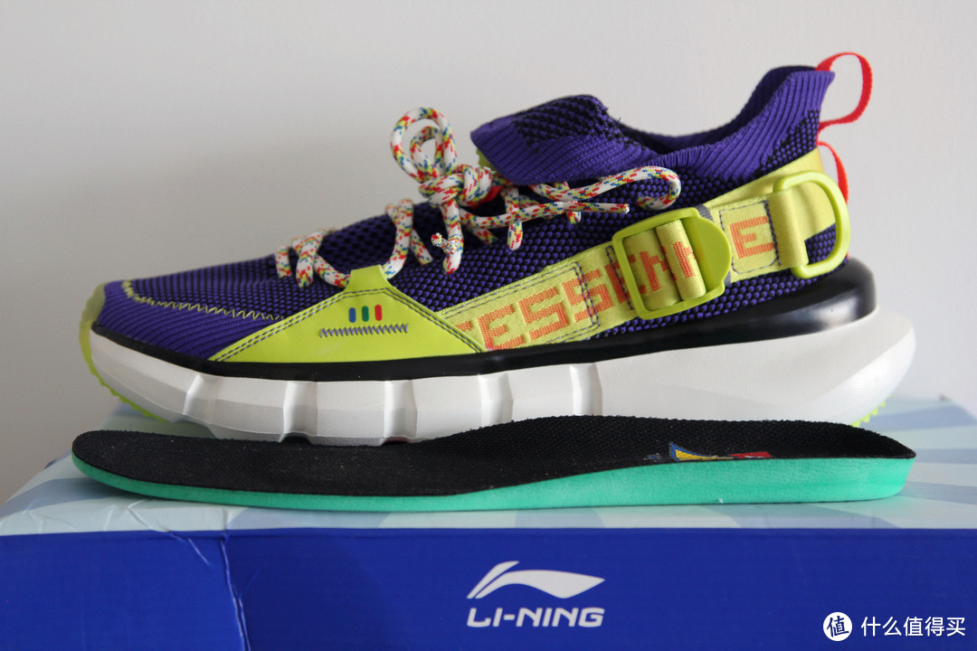 从没钱穿李宁到没钱穿李宁:LI-NING 李宁 玩具总动员4联名款巴斯光年 悟道2.3运动鞋