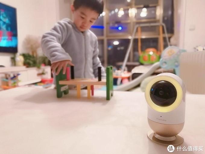 AI交互,多点监护,爱U宝贝智能看护管家做您专业的婴幼儿养护专家