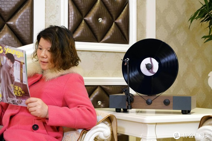FENDINOU立式黑胶唱片机(45转),聆听高品质黑胶音乐