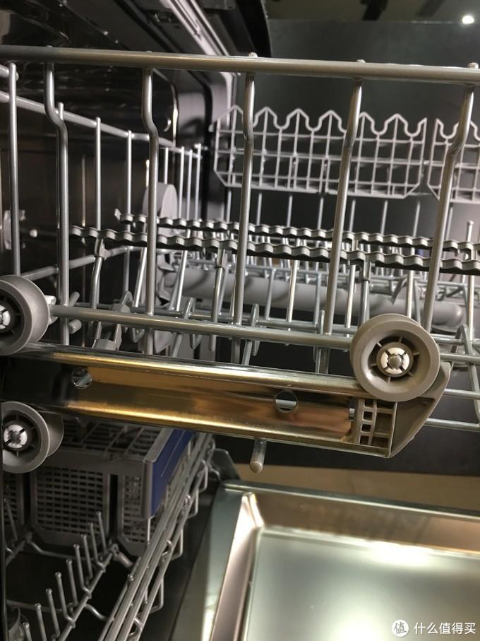 洗碗机总是洗不干净,是买了假的洗碗机吗?洗不干净的八大元凶你知道几个?