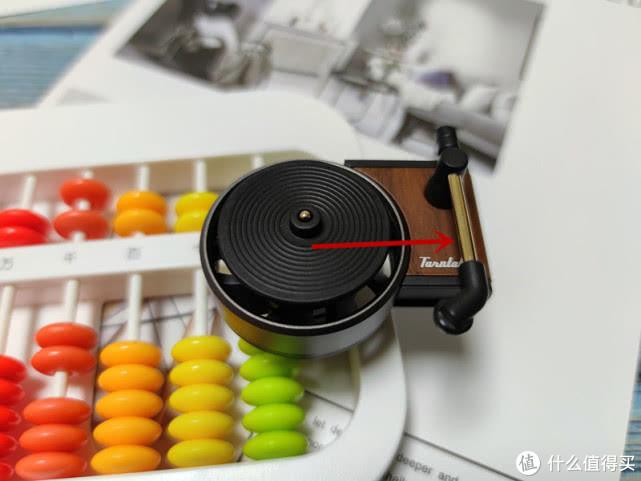 小米推出车载小玩意,唱片机造型,转转就能增添驾车情趣