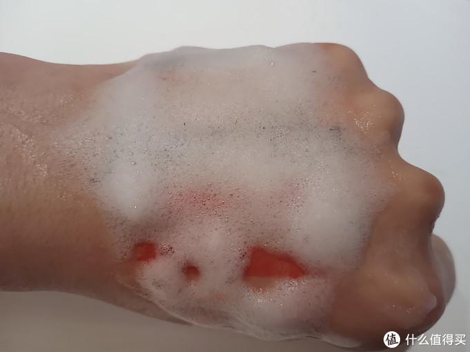 不用起泡网的洁面慕斯:阿蜜卡Amerkka氨基酸水润温和洁面慕斯