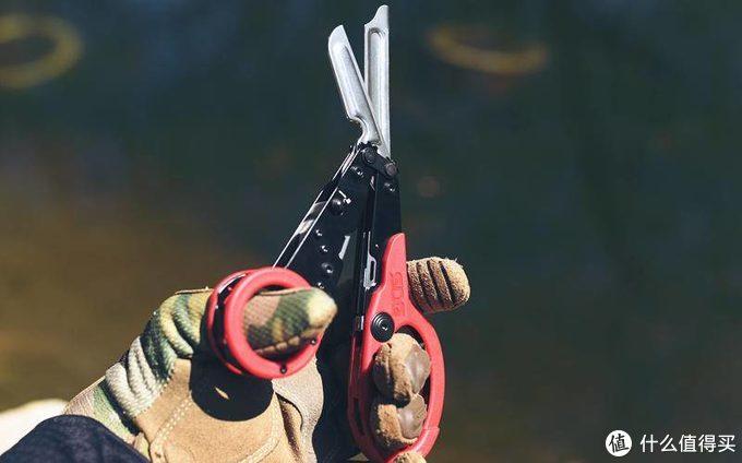 在骚浪中体验战术工艺美学的精髓--SOG战术医疗剪刀