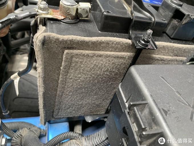 换新蓄电池后手工纯打造蓄电池保温套,给蓄电池延寿保护。