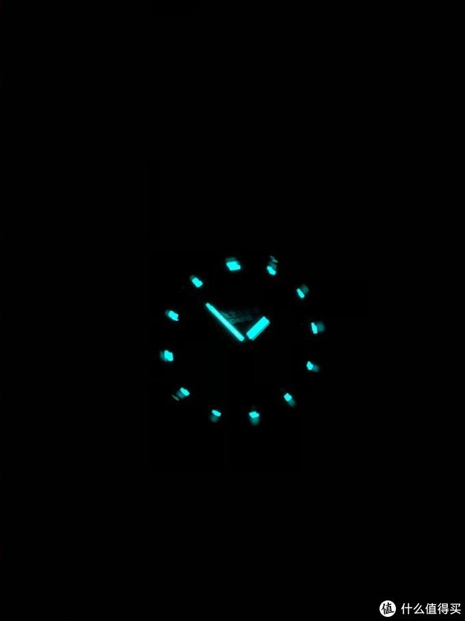 夜光,迷迷糊糊起来就看这个秒懂现在几点了…