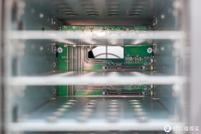 来抄作业吧!家用高性能影音NAS组装全过程!华擎H310 itx + i3-8100处理器!