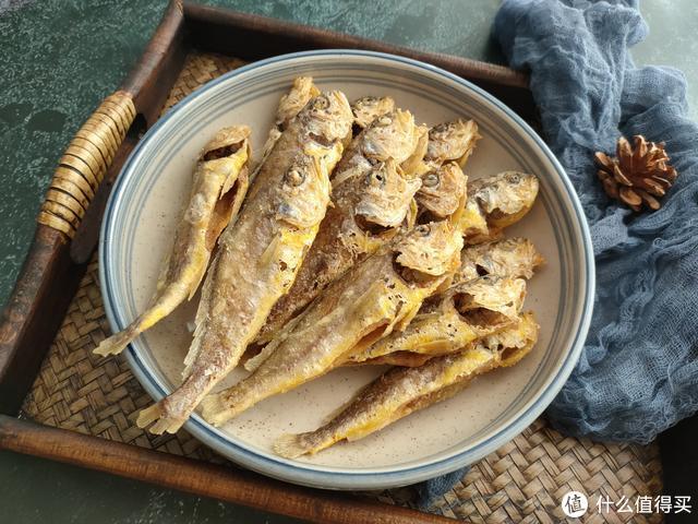 这鱼5元一斤,是名副其实的海鲜,炸一炸香酥脆,骨头都能吃