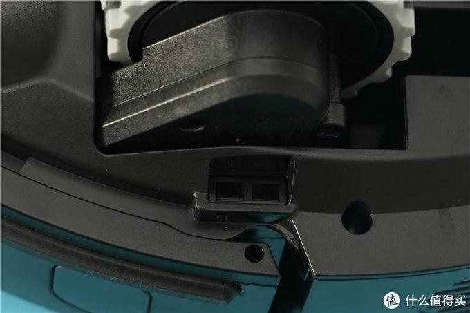 扫地机市场又增猛将?美的智能三合一擦地机器人M7实测