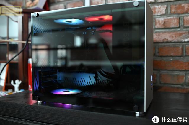 小巧的铝合金MATX机箱,让桌面更干净,雷匠R-M3上手体验