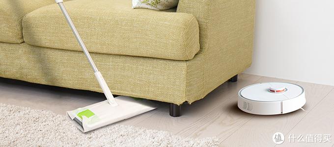 它填补了普通扫帚和吸尘器适用范围的空白,而且更加省时省力。