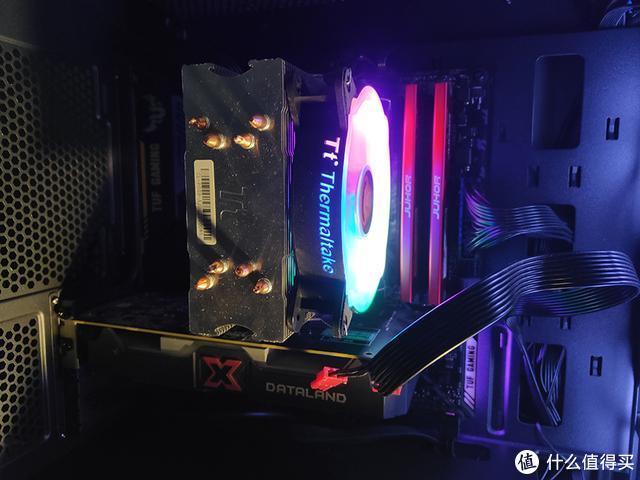 装机灯效(TT彩虹D400PCPU散热器)