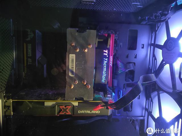 TTa3上拆下来的两个20cm的RGB风扇,散热效果一流