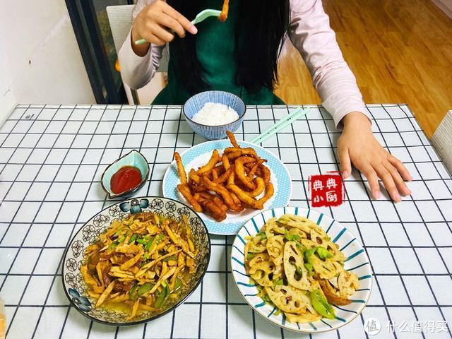 上学的孩子中午回家吃什么?晒完之后,朋友说难怪不吃小饭桌了