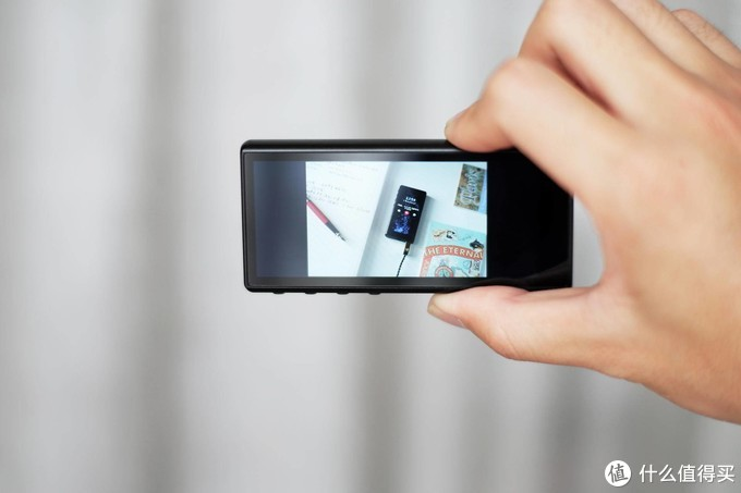 """飞傲专为""""穷学生""""打造,百元价位的全面屏HiFi播放器,神似iPhone,颜值炸裂"""