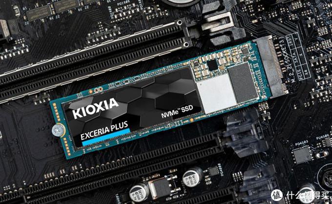 """固态硬盘接口的小秘密:SATA为何""""绝后""""?M.2和U.2会如何发展?"""