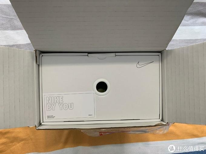 外面箱子与内部鞋盒完美贴合
