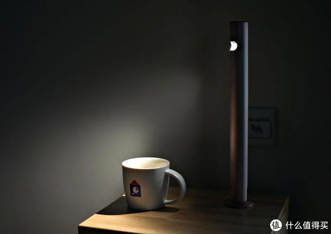 如何不拉线,布置好看实用的灯光?