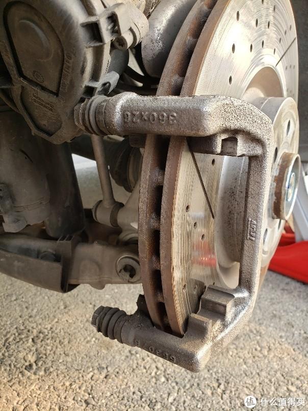 接上回 GLC63 AMG后刹车片 DIY更换