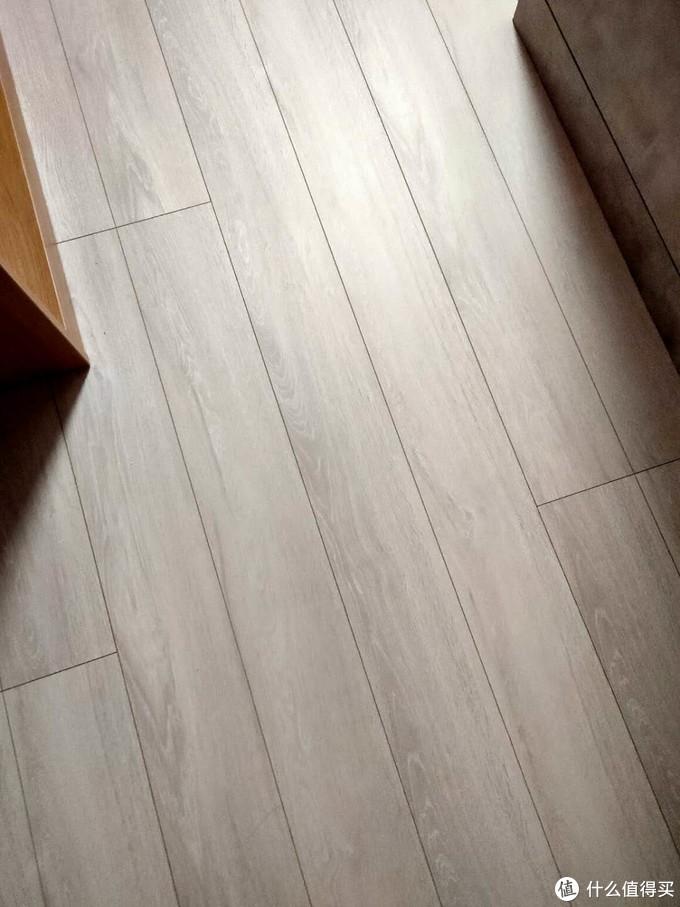 我家的F4地板