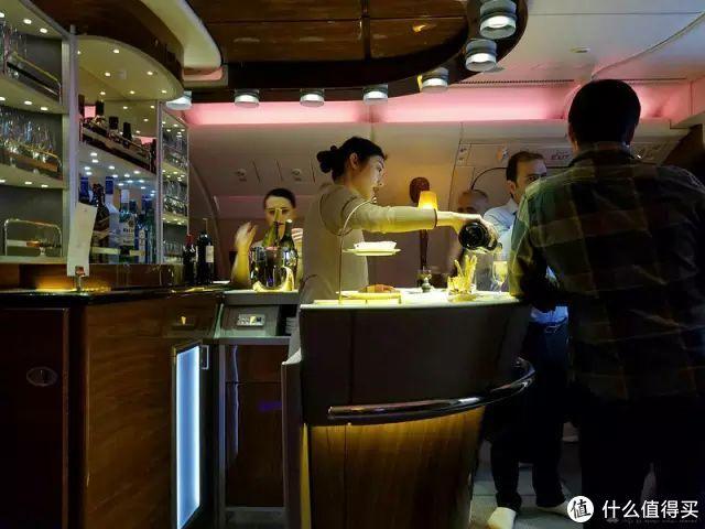 坐一次少一次?阿联酋航空的A380商务舱乘机体验