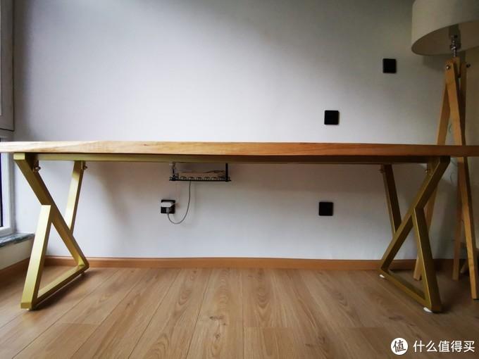 木材加工处的桌脚太丑,淘宝定制了一个桌脚