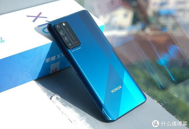 荣耀X10评测:麒麟芯片加超感镜头,降维打击血洗市场