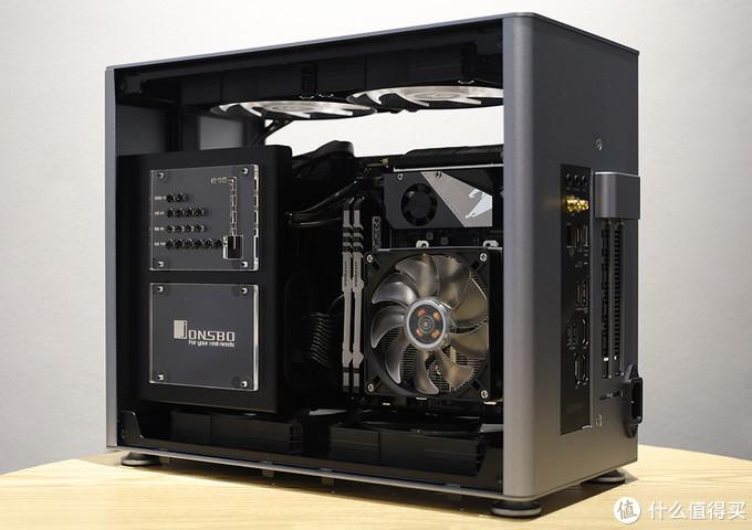 乔思伯 A4机箱 内部硬件安装情况