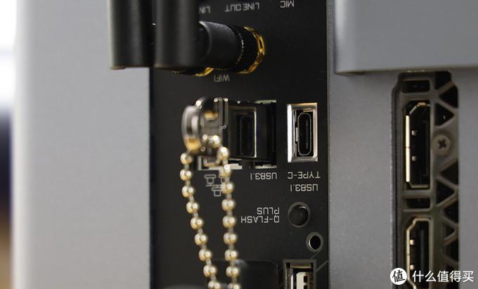 主板 USB3.1接口 U盘插入
