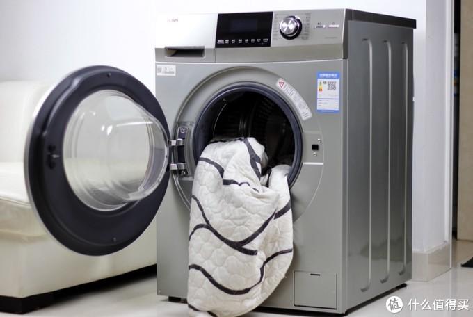 一次性洗一套沙发套都没问题