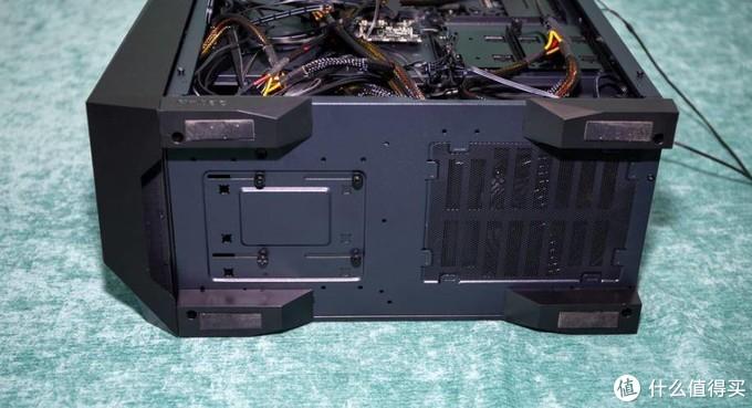 可靠的机箱散热一体化解决方案炫光版:DP501机箱+海王星240水冷