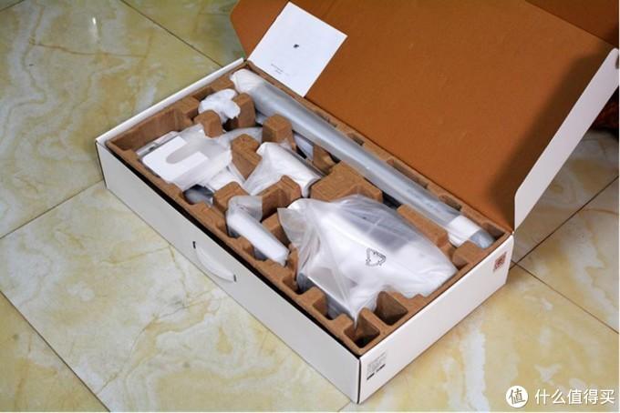 罗永浩推荐:顺造无线吸尘器Z11,150AW大吸力,专利切毛滚刷