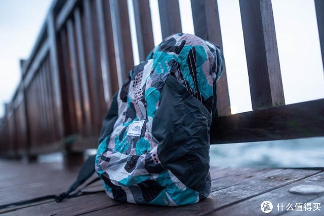 跟黑色双肩电脑包说再见,郊游踏青好时节看看我的背包