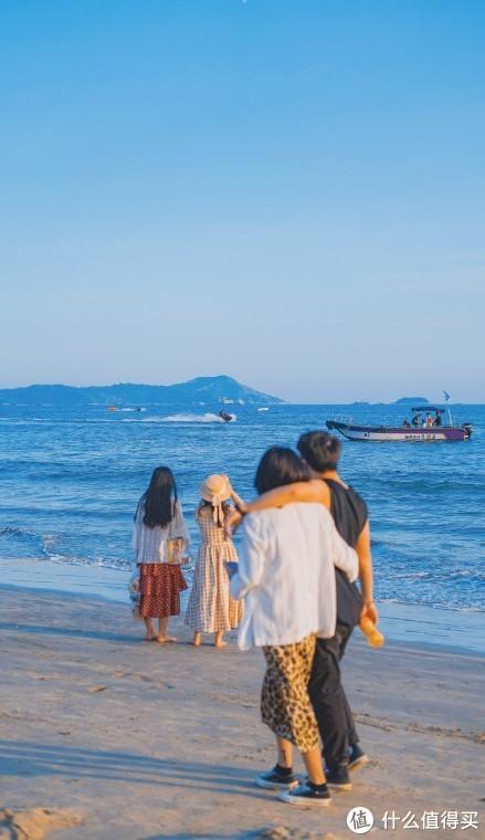 小长假后遇见夏天,带上LESWIM去海边!