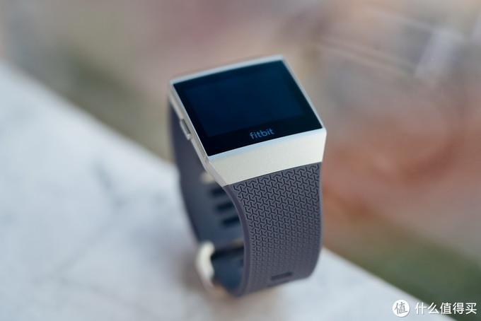 Fitbit Ionic智能运动手表评测:轻松把握运动状态与睡眠质量