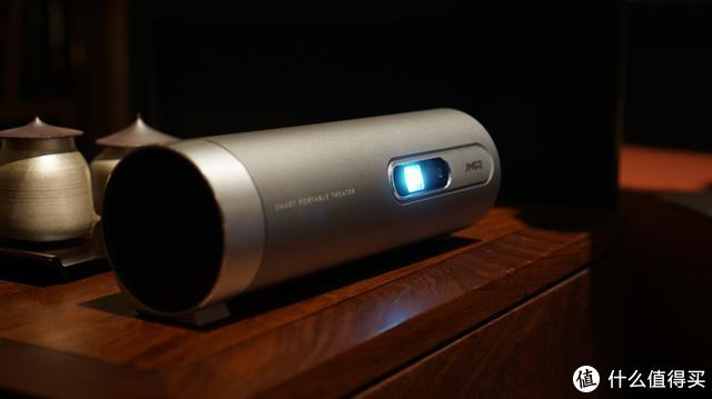 画质高清小巧便携的坚果P3投影仪评测