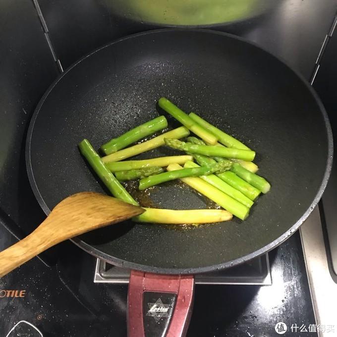 千万不要嫌弃老婆做菜不好吃!煮夫的日常之蚝油芦笋