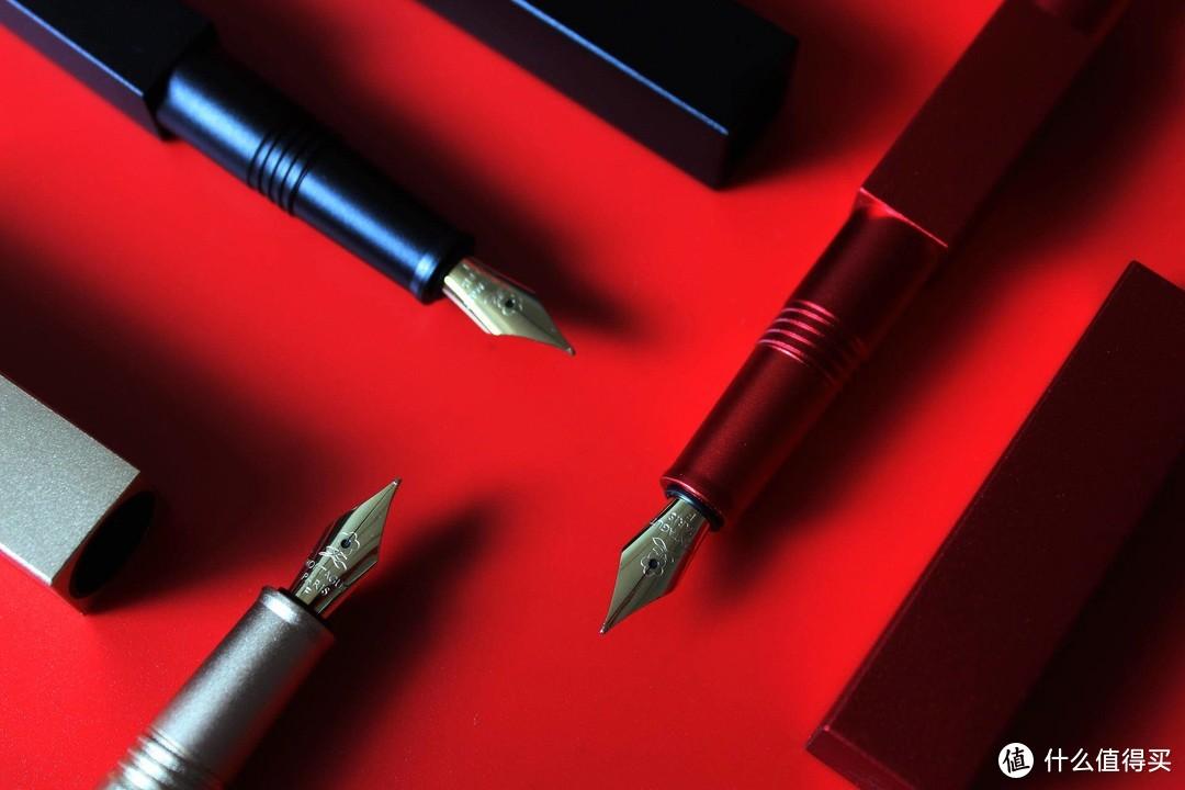时尚办公更要颜值,卡西欧X梦特娇限定联名款计算器钢笔套装