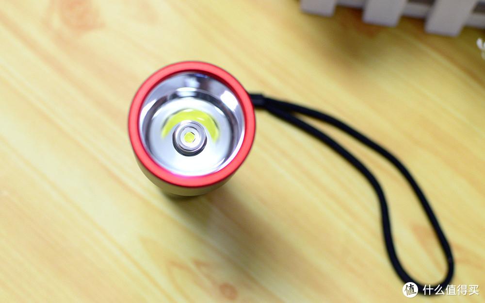 小米新品极蜂强光电筒:IPX7+5000毫安电池,5天续航妥妥的