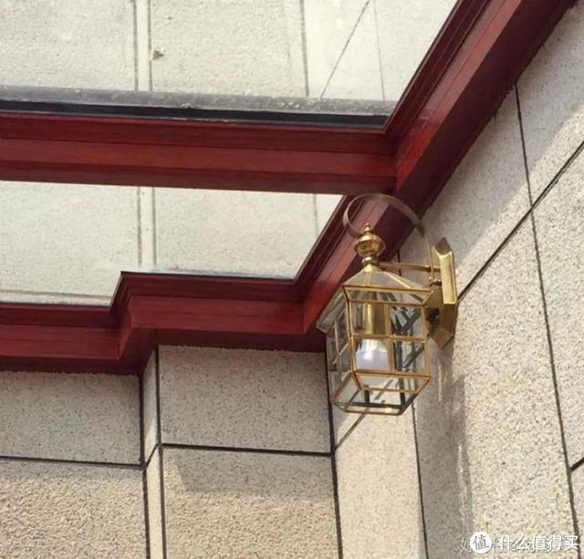 △ 阳光房屋面拐角等细节需测量精准