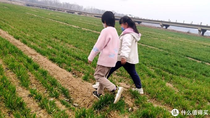 米9记录丨广阔的田野是个好去处,心情放松且没有病毒!