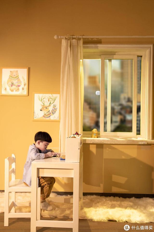 看好孩子守住窗,安全有它不用慌,叮零窗户限位报警器解决隐患